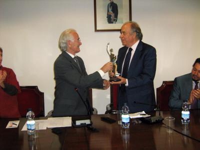 La Asociación de Mayores Pablo Iglesias me ha concedido el Premio Quijote 2011