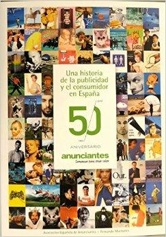 Firma del libro 50 Años de publicidad, por parte de su autor, Fernando Montañés